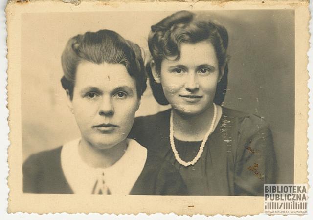Od lewej Wanda Nowikowska i jej siostra Alicja Mikielkiewicz.
