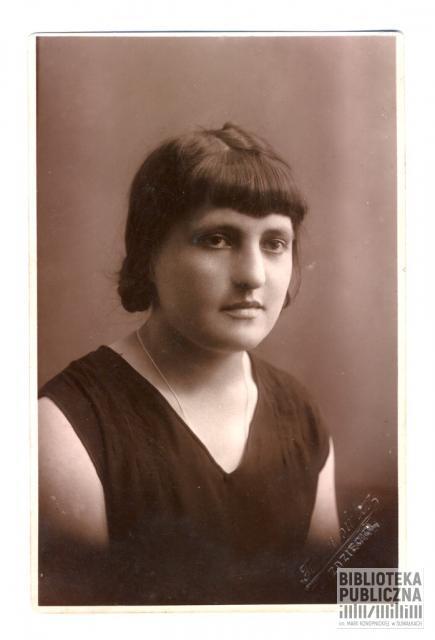 Maria Bublej (1906-1986) - nauczycielka. Żona leśniczego Aleksandra Bubleja. Wraz z mężem i malutkim dzieckiem została zesłana w 1940 r. do ZSRR, do obwodu archangielskiego. Zdjęcie pochodzi ze zbiorów pani Ryty Mitros.